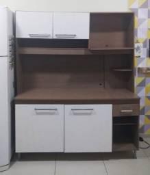 Armário de cozinha compacto