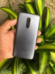 Xiaomi pocophone F1 64 / 6  de Ram vendo ou troco leia o anúncio