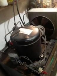 Condensadora Elgin.