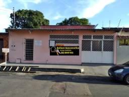 Casa ampla à venda em Cj. na Cidade Nova, com área comercial e quitinete
