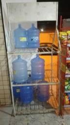 Display para 27 garrafões de água