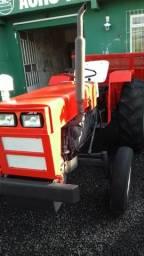 Trator Agrale modelo 4200 com carreta