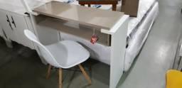 Conjunto Mesa para Trabalho com Cadeira Eiffel