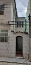 Casa em condomínio com garagem