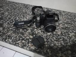 EXCELENTE Câmera Digital Finepix S4500 (14MP) c/ 30x Zoom Óptico, Filma em HD, Foto Panor