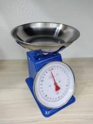 Balança analógica pesa até 30kg