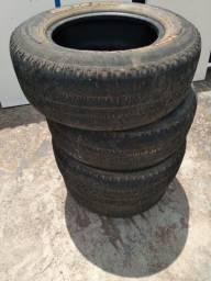Pneus 235/70 R16