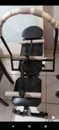 Aparelho de musculação.