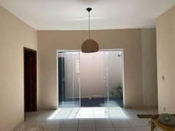 Casa de 3 quartos para locação, 180m2
