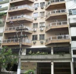 3 qts, sendo 1 suíte na Rua Miguel de Frias, n.44 com varanda e garagem