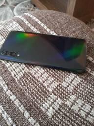 Samsung A50 128gb *SEMI NOVO*