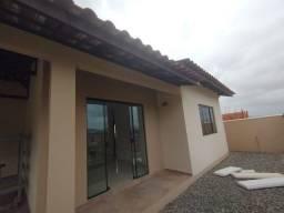 REF L1386 | Linda Casa Com 02 Dorm | Localização Tranquila