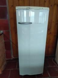 Geladeira Eletrolux 280 litros