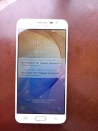 Usando Samsung j7 primer
