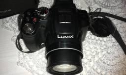 Câmera Panasonic Semi-Profissional