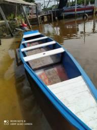 Barco de madeira fibrado