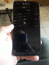 Vendo um  celular