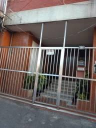 Aluga-se apartamento na Rua Dr. Manoel Reis 190/102 Centro - Nilópolis / RJ