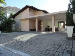 Casa no condomínio Porta do Sol com 240m², 3 suítes, piscina privativa