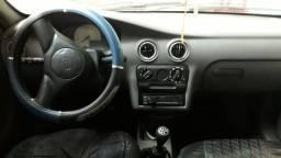 Celta 2 porta carro de mulher