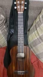 Kit ukulele tenor + 3 palhetas + capa + capotraste
