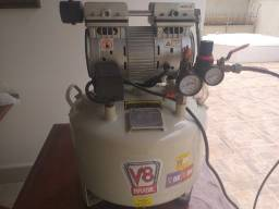 Compressor Odontológico V8 - Sem Óleo- 220V - Nunca foi usado