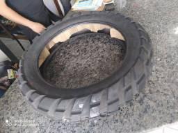 Vende-se jogo de pneus zero