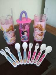 11 Itens Infantil 3 Copos com Canudo das Princesas da Disney+Kit Colher/Garfo Princesas.