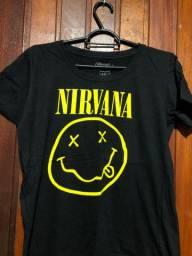 Blusa baby look Nirvana.