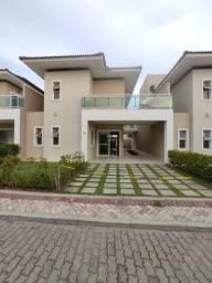 Ótima Opção de casa em condomínio fechado de alto padrão em Fortaleza .