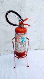 Extintor de Incêndio com Carga de Pó Quimico Seco B C