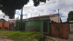 Casa bem Ampla no bairro Diamantino
