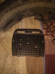 Vendo rabeta serrada, suporte de baú e uma ignição de fan 150 com chave reserva