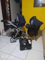 Carrinho Safety Mobi com bebê conforto