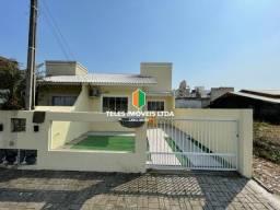 Casa Bem Localizada em Perequê