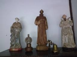 Conjunto de 3 esculturas em madeira