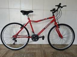 Bicicleta aro 26 reformada vermelha