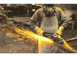 Título do anúncio: Serralheiro com experiencia em galpoes estruturas metalicas e serviços diversos