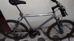 Bike de alumínio 270 reais.