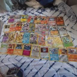 35 cartas raras pokemon (EX,GX,mega e cartas treinadores raríssimas.