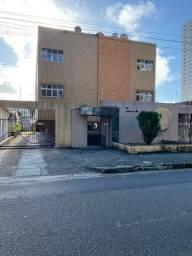 Título do anúncio: Apto com móveis projetados | 1º andar | Sombra | no Ed. Alameda São José Lagoa Nova.