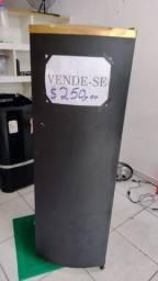 Vende se essa geladeira palito