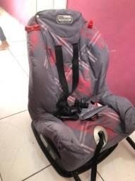 Vendo cadeira de carro para criança.