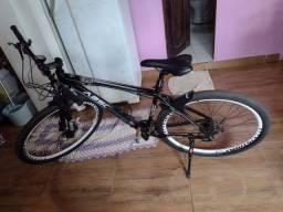 Vendo Bicicleta Absolut, aro 29, 27 marchas, apenas 1 mês de uso.