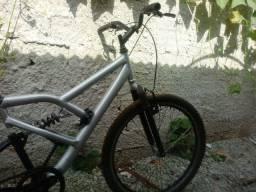 Bicicleta com 2 amortecedores