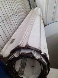 Porta de aço de enrolar manual usada