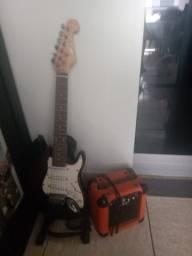 Guitarra mini com amplificador