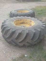 Par de pneus montados