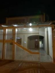 Casa Espaçosa 2 andares Samambaia Sul Qr 123