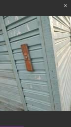 2 barraca no mercado vendo barato chama no Whatsapp 88424594